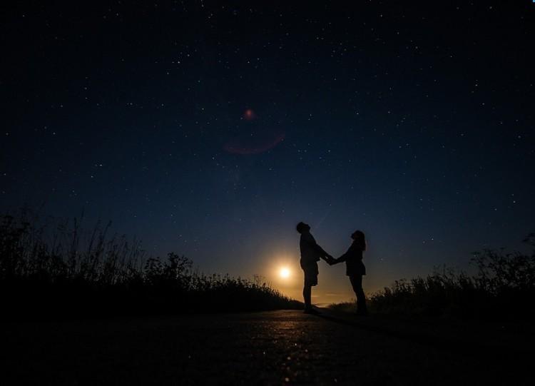 Ритуалы на убывающую луну: какие можно проводить, денежные, любовные, можно стричься или нет